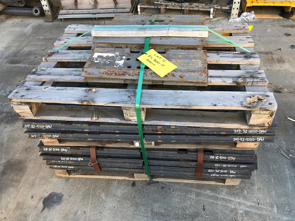 Qty 90 x Unused 600mm Grouser Plates