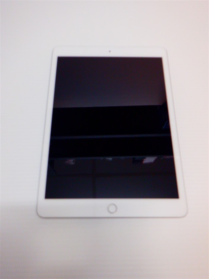 "iPad 10.2"" WiFi 32GB Tablet Silver"