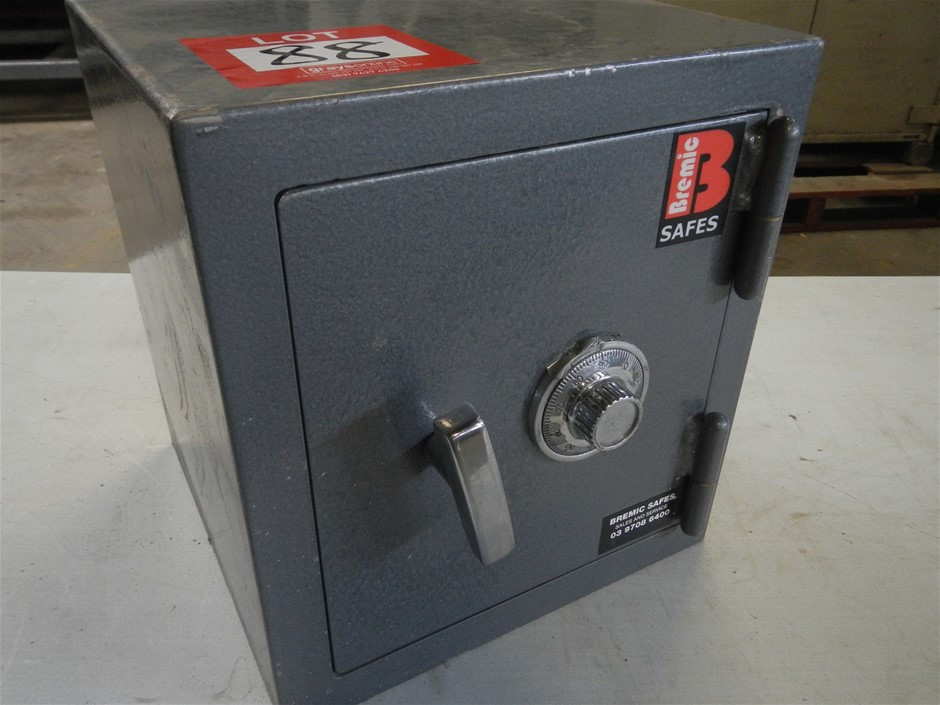 Small steel safe, unlocked with instructions, 315mm x 300mm x 340mm.