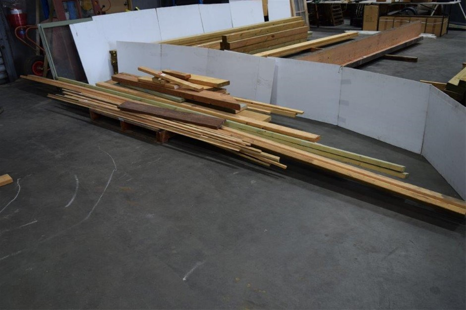 Lot of 35 Assorted Lengths of Pine Timber Planks, Studs, Battens, Quad, Etc