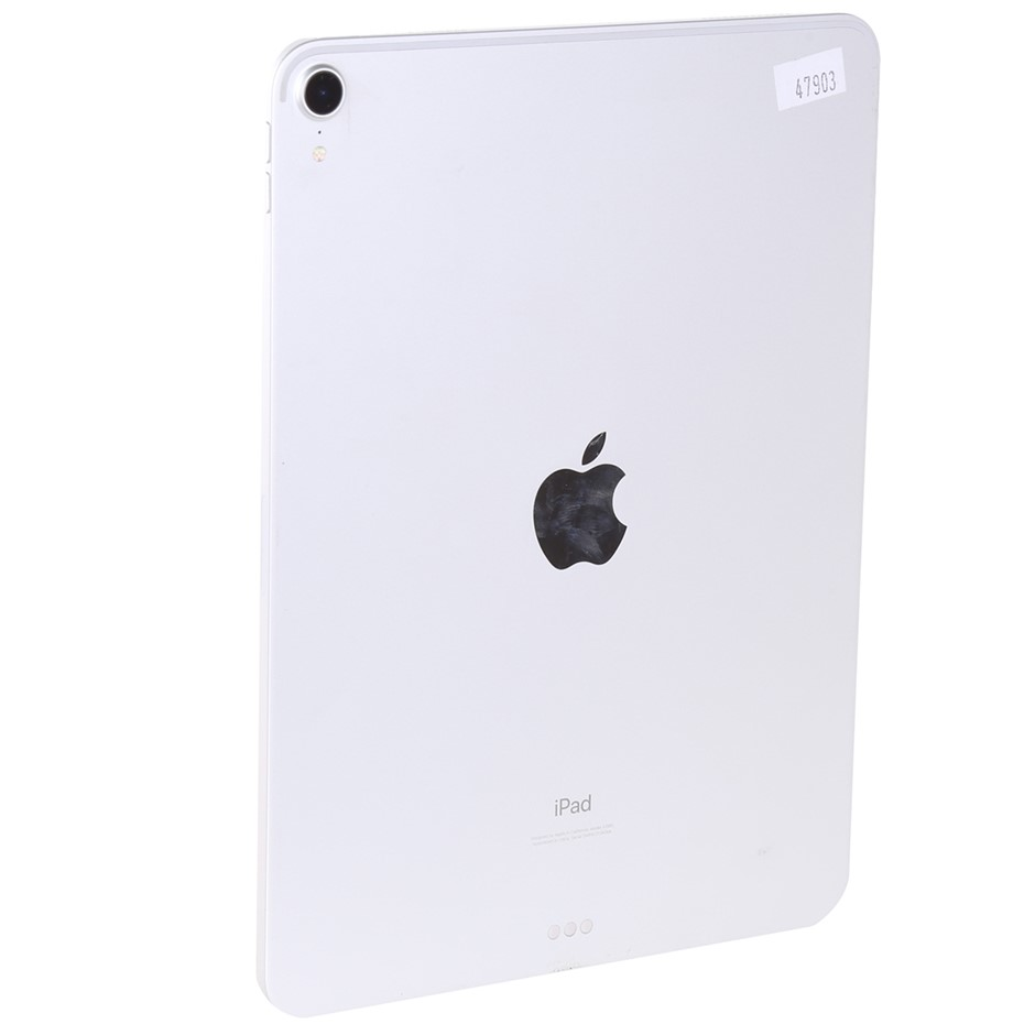 APPLE 11-inch Ipad Pro. Model A1980. N.B. Has been used. Missing charger. N