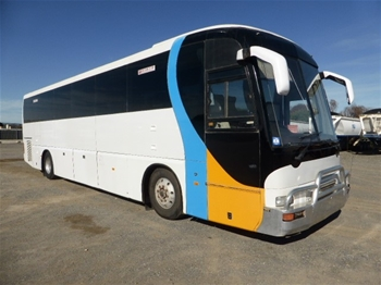1990 Mitsubishi Fuso 45 seat RWD Bus