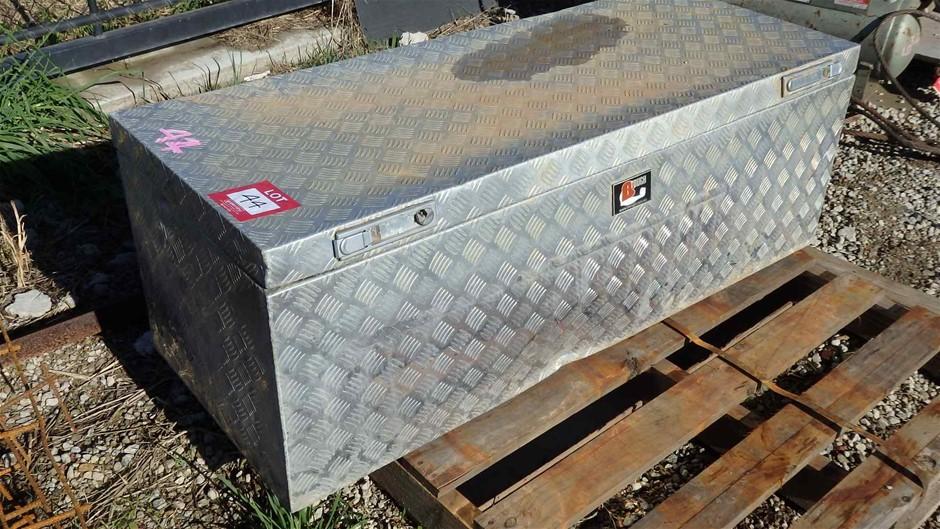 1 x Aluminium Check plate Tool Box