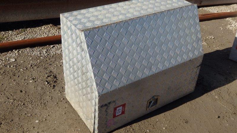 1 x Aluminium Checker Plate Tool Box