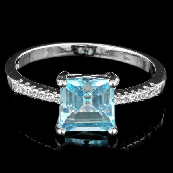 Beautiful Genuine Blue Topaz Ring.