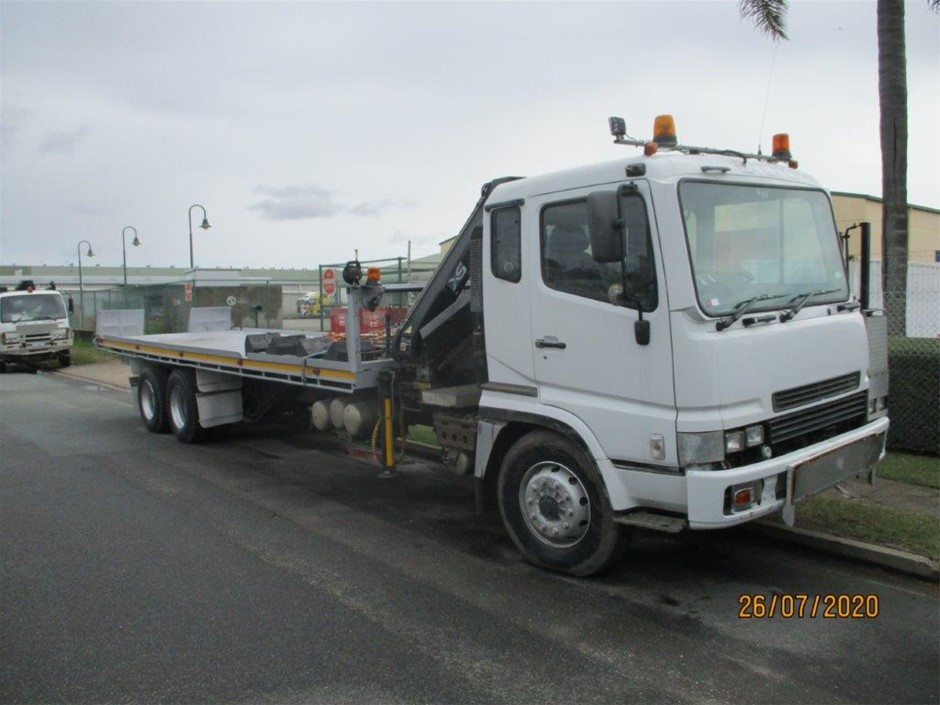 Mitsubishi FV457 Tilt Tray/Crane Truck