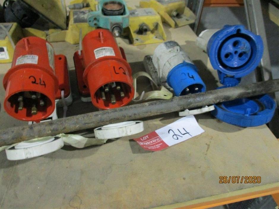 Qty 4 x Electrical Plugs