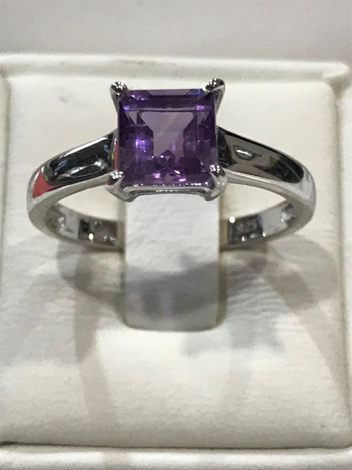 Brilliant 1.25ct Amethyst & 18K White/Gold Vermeil Ring. Size N (7)