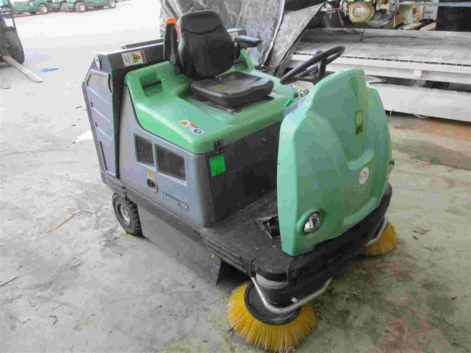 2013 IPC G1404DP Electric Rid On Floor Sweeper