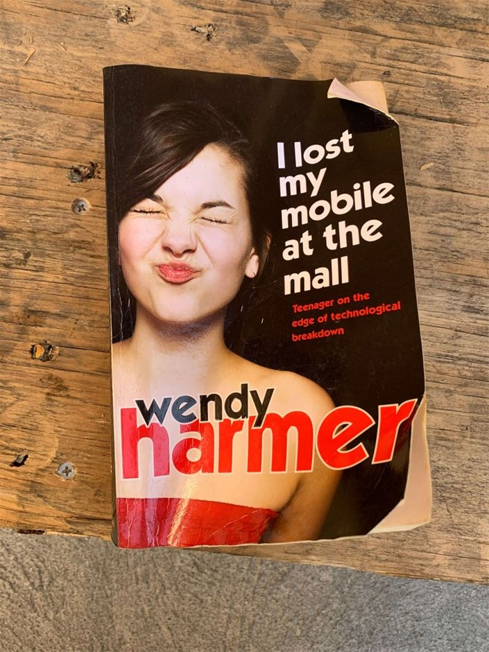 Book, Fiction, Novel, I Lost My Mobile at the Mall, Wendy Harmer