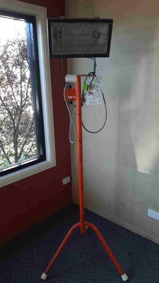 Floodlight - 1000W/1500W on Stand - AD MCCALLUM