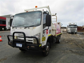 2009 Isuzu NPS 4x2 Service Truck