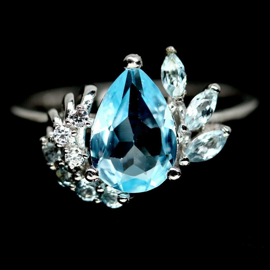 Beautiful Genuine Blue Topaz Ring.