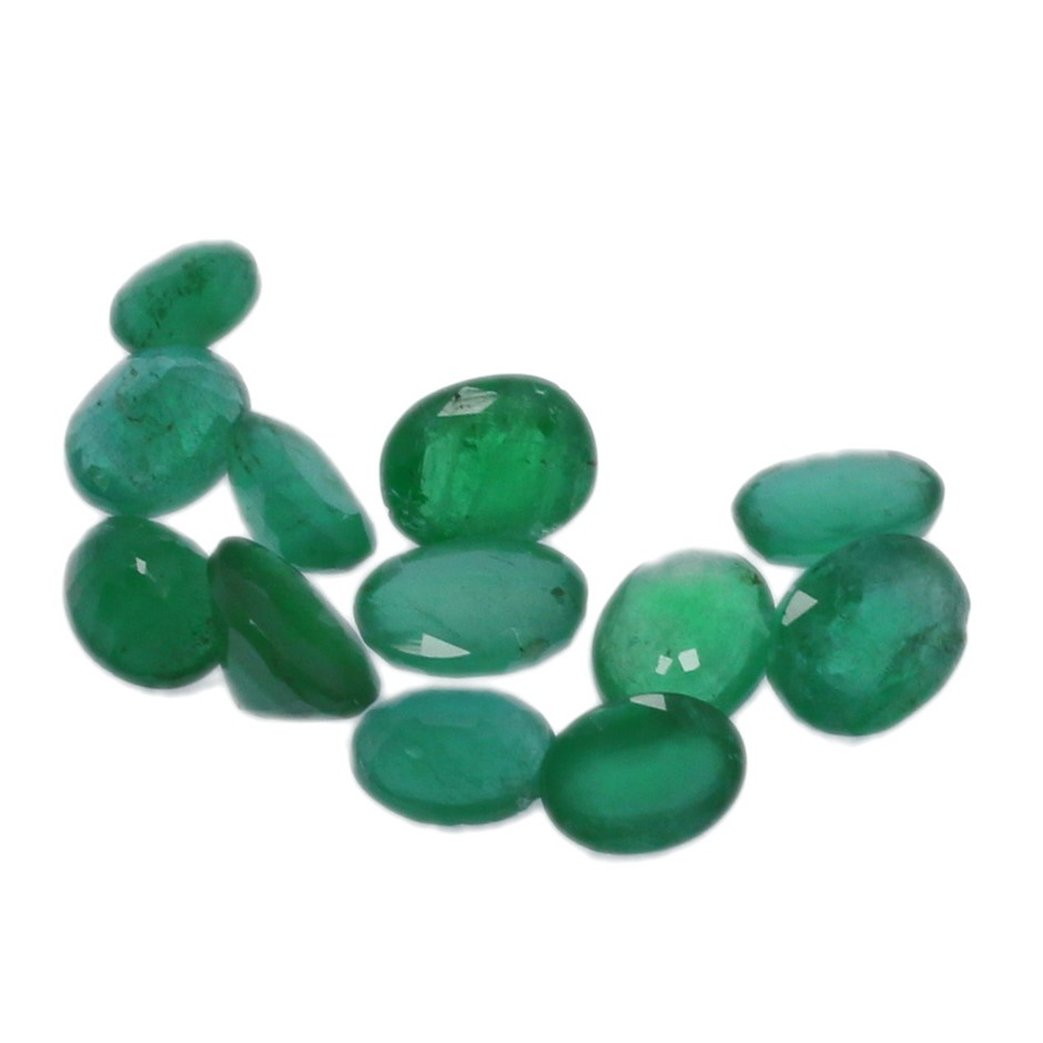 Twelve Loose Oval Shaped Emeralds 10.50ct