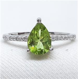 Striking Genuine Peridot Ring.
