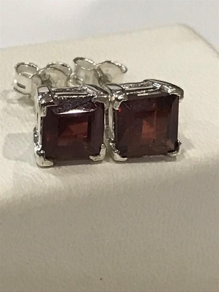Stunning Genuine Garnet 4.00ct Stud Earrings
