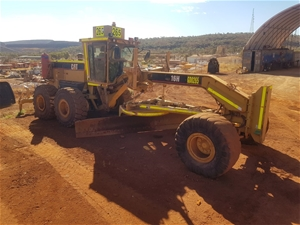 2004 Caterpillar 16H Motor Grader with 1