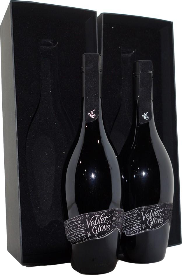 Mollydooker Velvet Glove Shiraz 2010 (2x 750mL), SA . Screwcap.