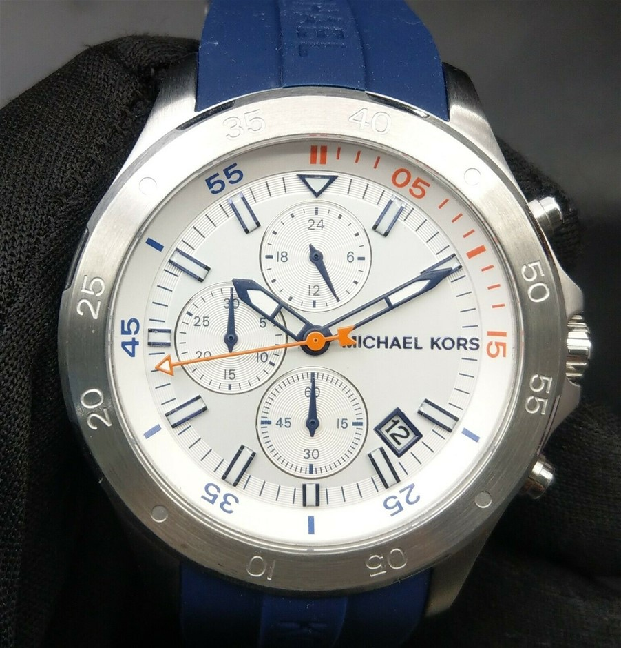 Mens new Michael Kors Couture NY very masculine/sporty chronograph watch.