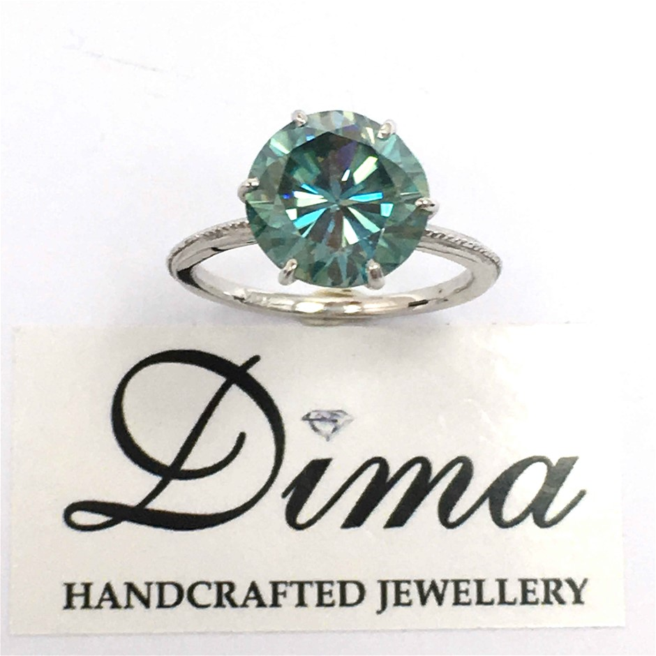 18ct White Gold, 3.96ct Blue / Green Moissanite Ring