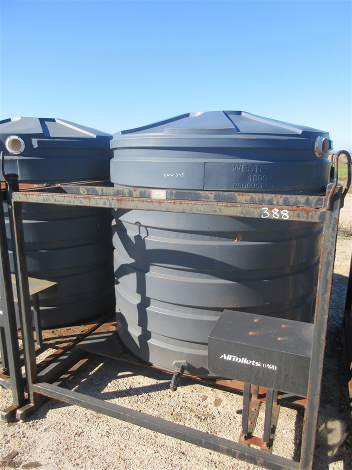 2800 L Westelle Tanks Poly Water Tank in Skid