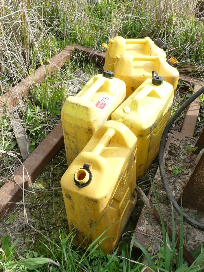 Qty 5 x Used poly fuel containers
