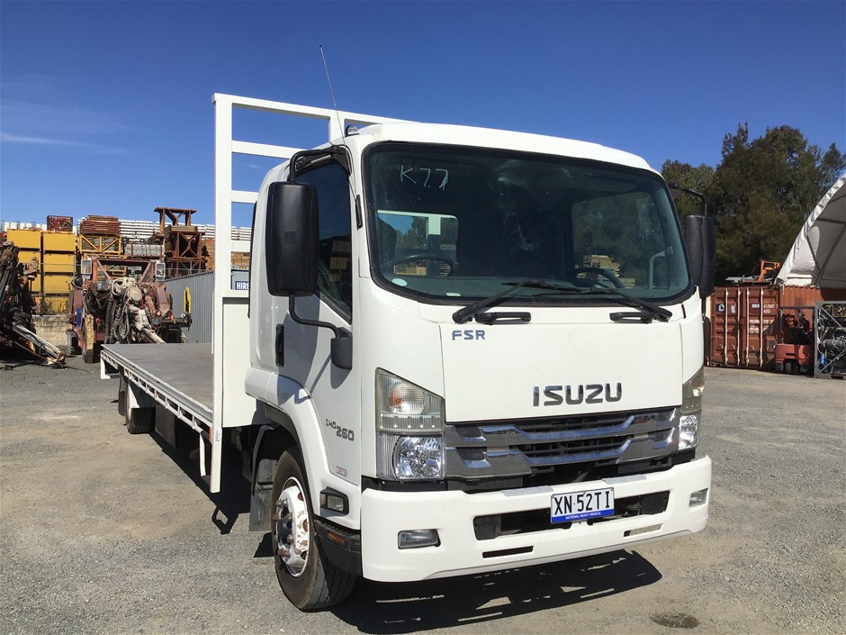 2017 Isuzu FSR850 4 x 2 Tray Body Truck