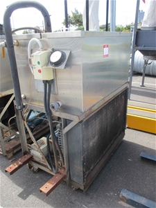 1 x Water Chiller Unit