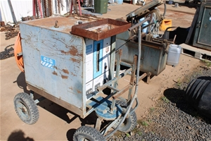 CIG TAD87 Electric Welder