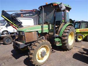 1997 John Deere 5520 Tractor