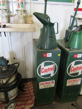 Castrol XL Tallboy with Simac Hand Pump and Large Oil Jug