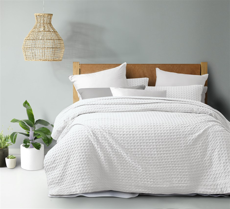 Dreamaker cotton waffle Quilt Cover Set QB White