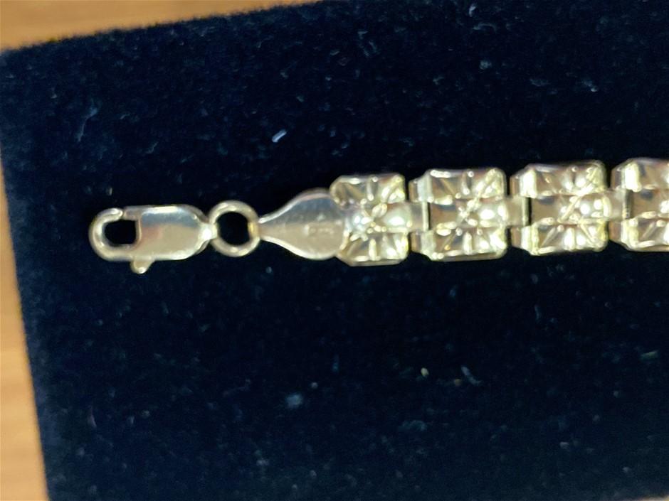 Gold Bracelet 18 Karat Yellow Gold Fancy Design