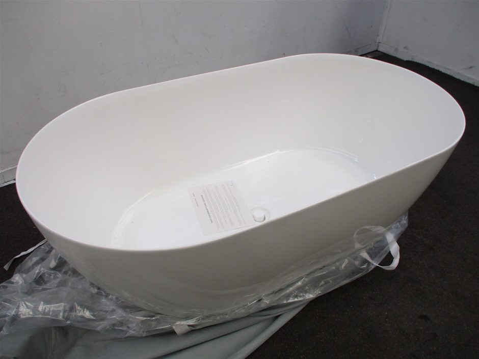 Clear Water Freestanding Bath