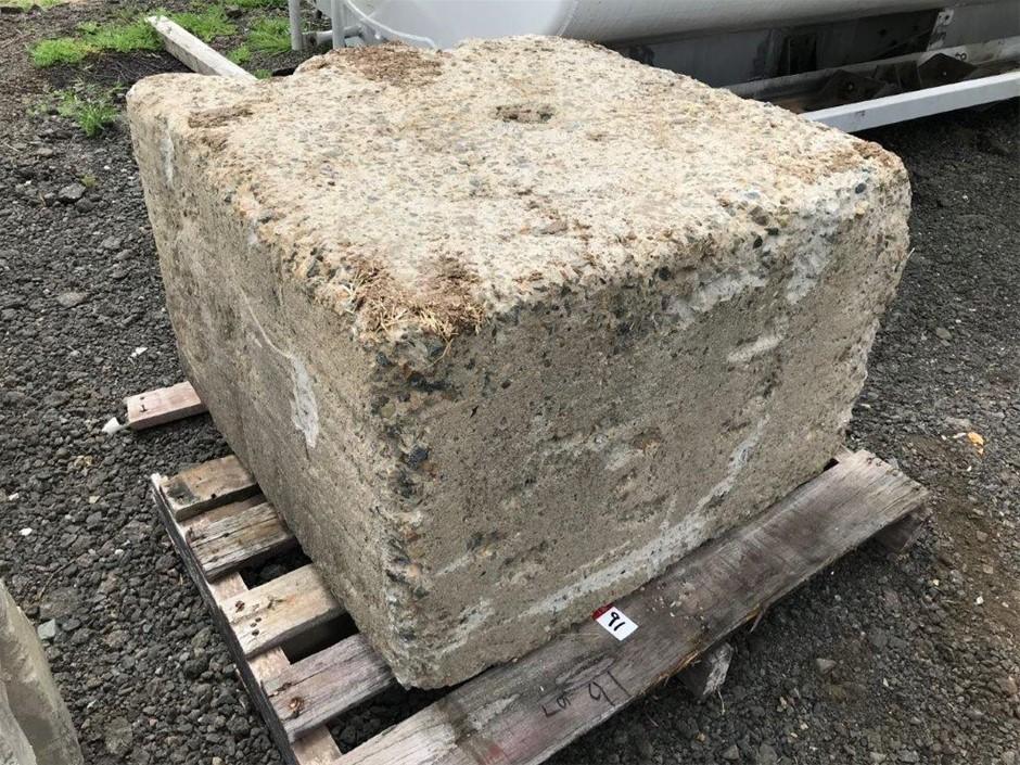 2x Concrete Blocks