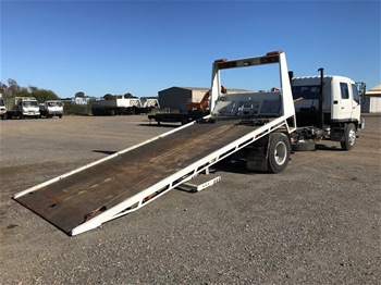 1996 Mitsubishi FK600 4x2 Tilt Tray Truck