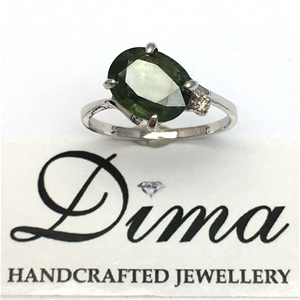 18ct White Gold, 3.03ct Green Sapphire a