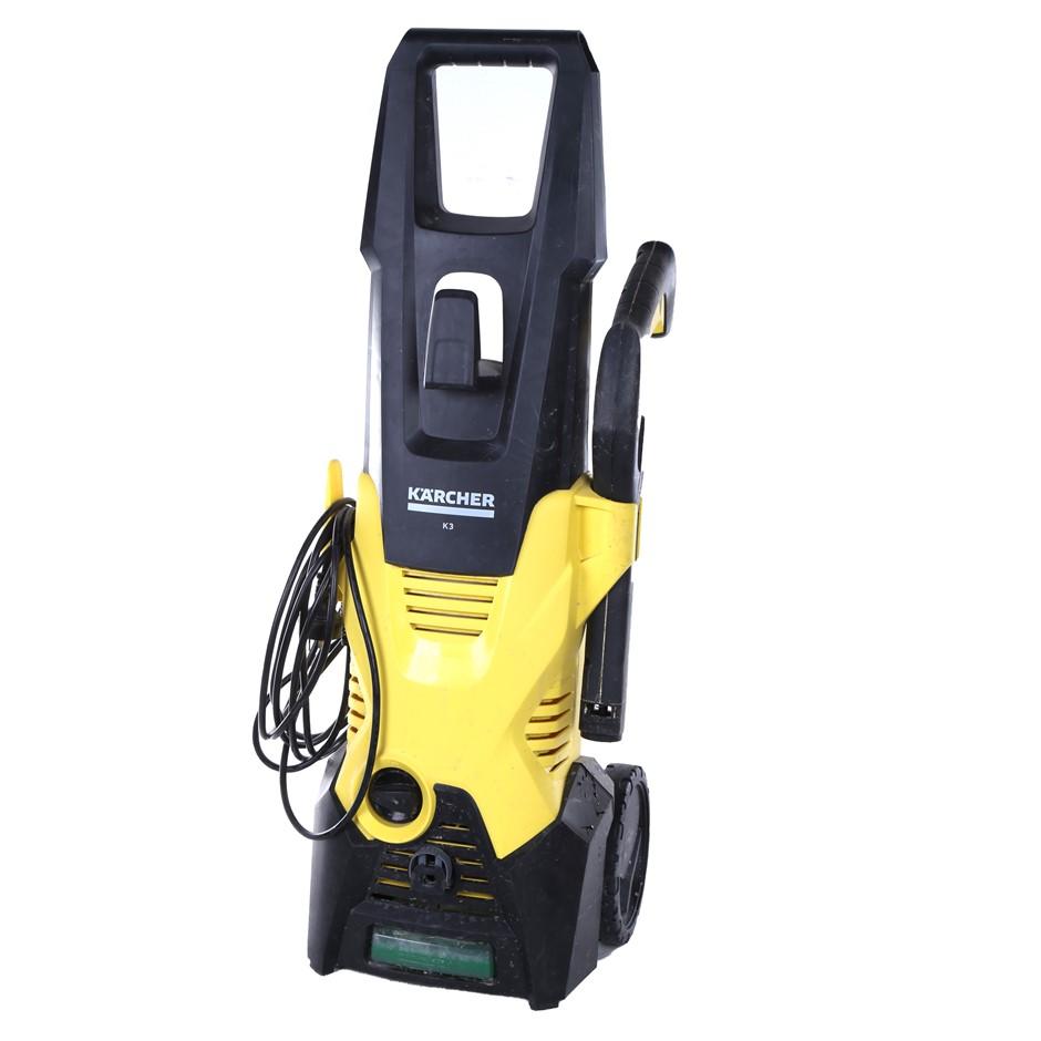 KARCHER K3 High Pressure Washer 1700psi w/ Deck Kit N.B. Minor used. (SN:CC