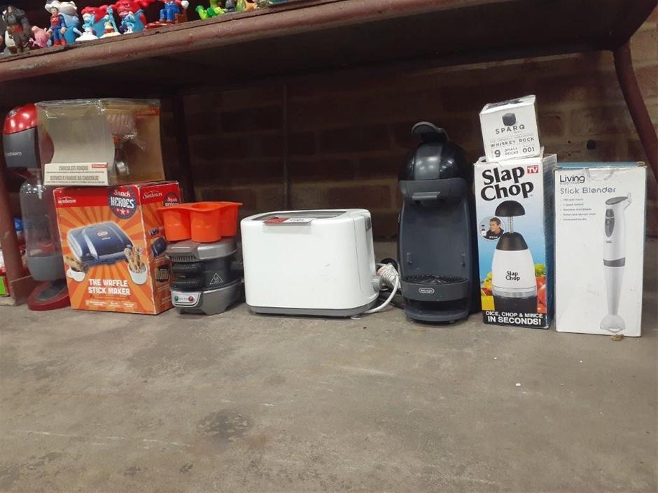 Large Qty of Kitchen Appliances