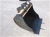 Dig-it's 450mm wide GP bucket.Blank Ears