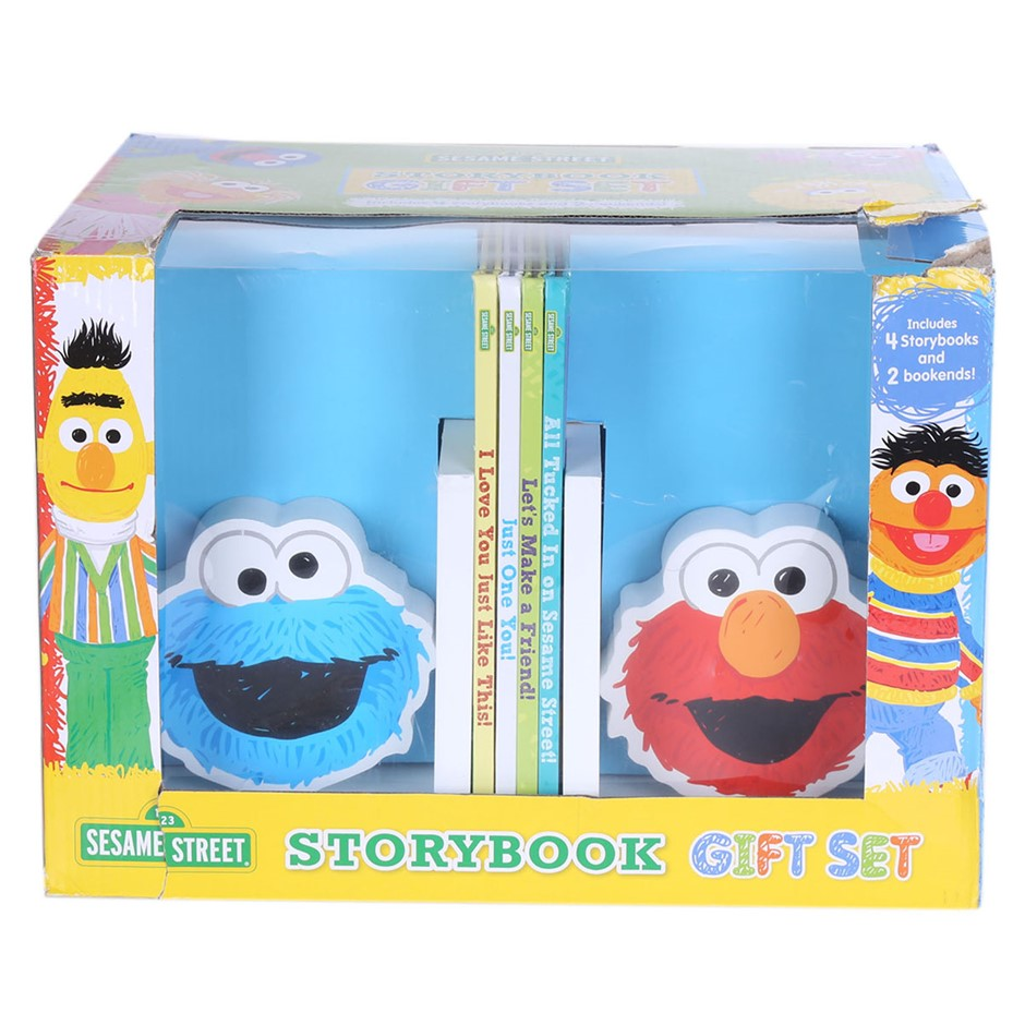 SESAME STREET Storybook Gift Set N.B. Slightly Damaged Outer Carton. Buyers