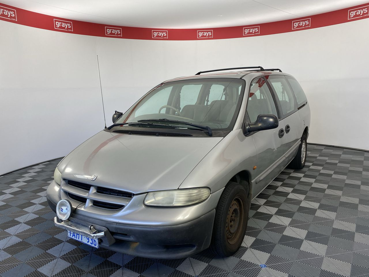 1999 Chrysler Voyager SE Automatic 7 Seats People Mover