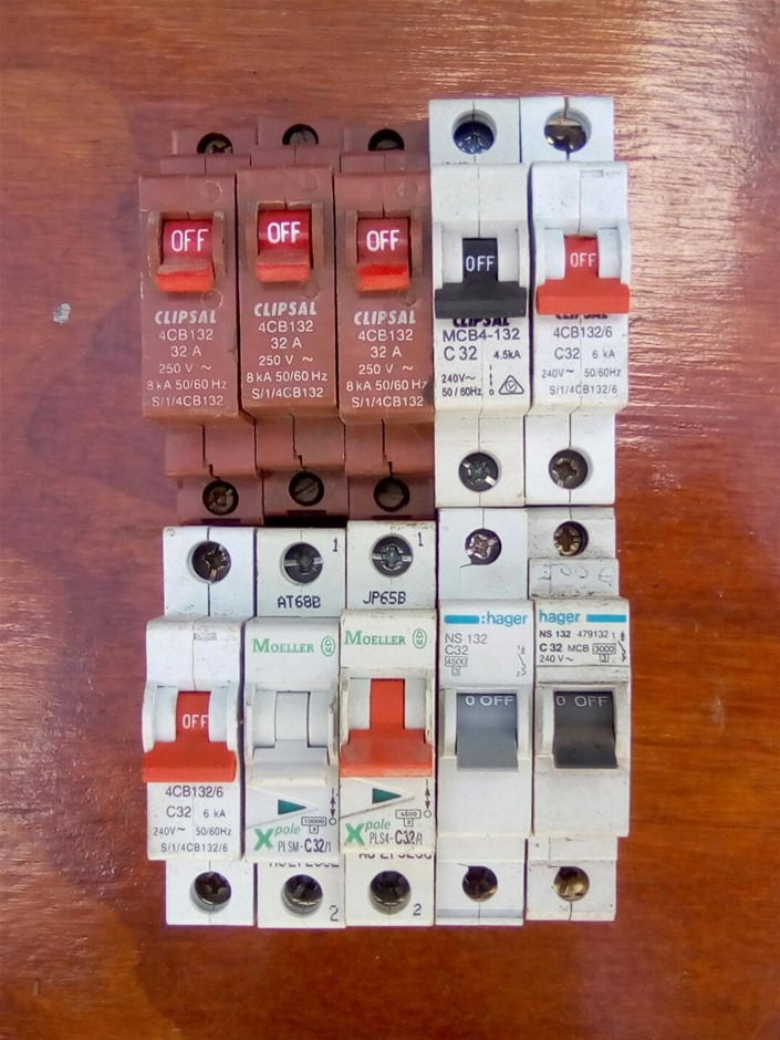 Lot of 10 Various Brand 32A Single Pole Circuit Breakers