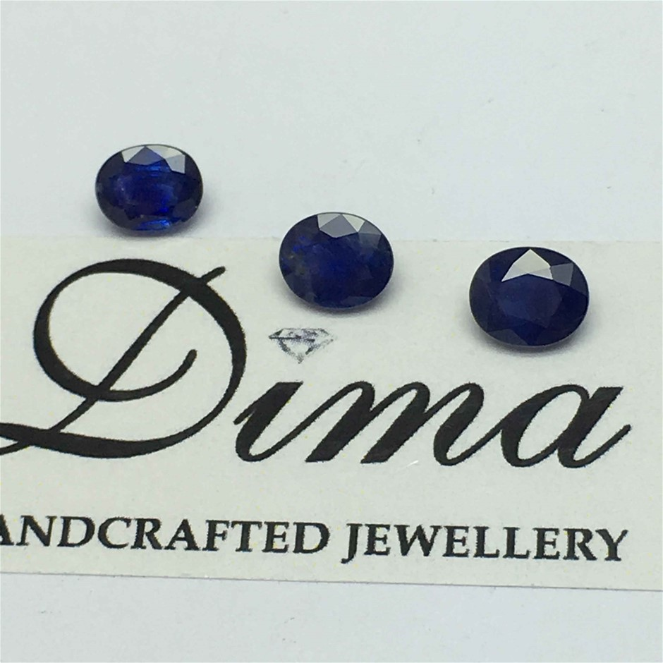 Three Stone Blue Sapphire, 2.96ct in Total