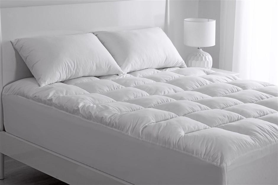 Dreamaker REPREVE 900gsm Mattress Topper Double Bed