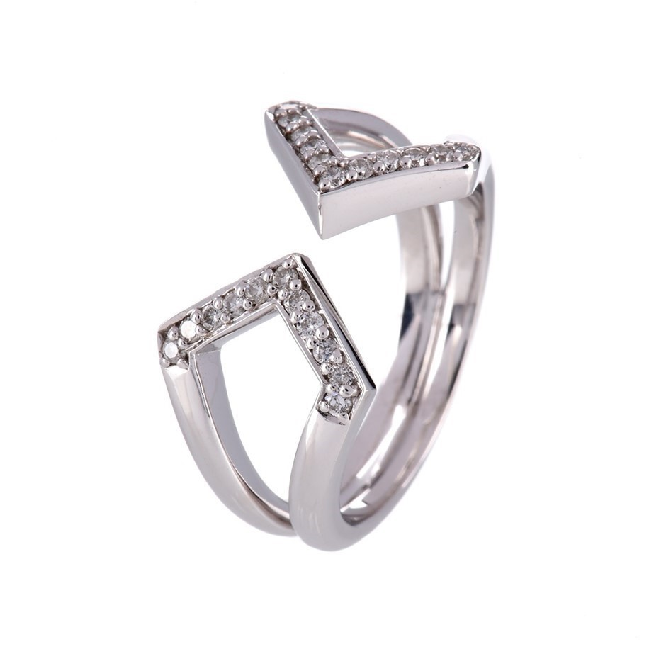 Solid 9ct white gold and diamond ring 0.12ct TDW