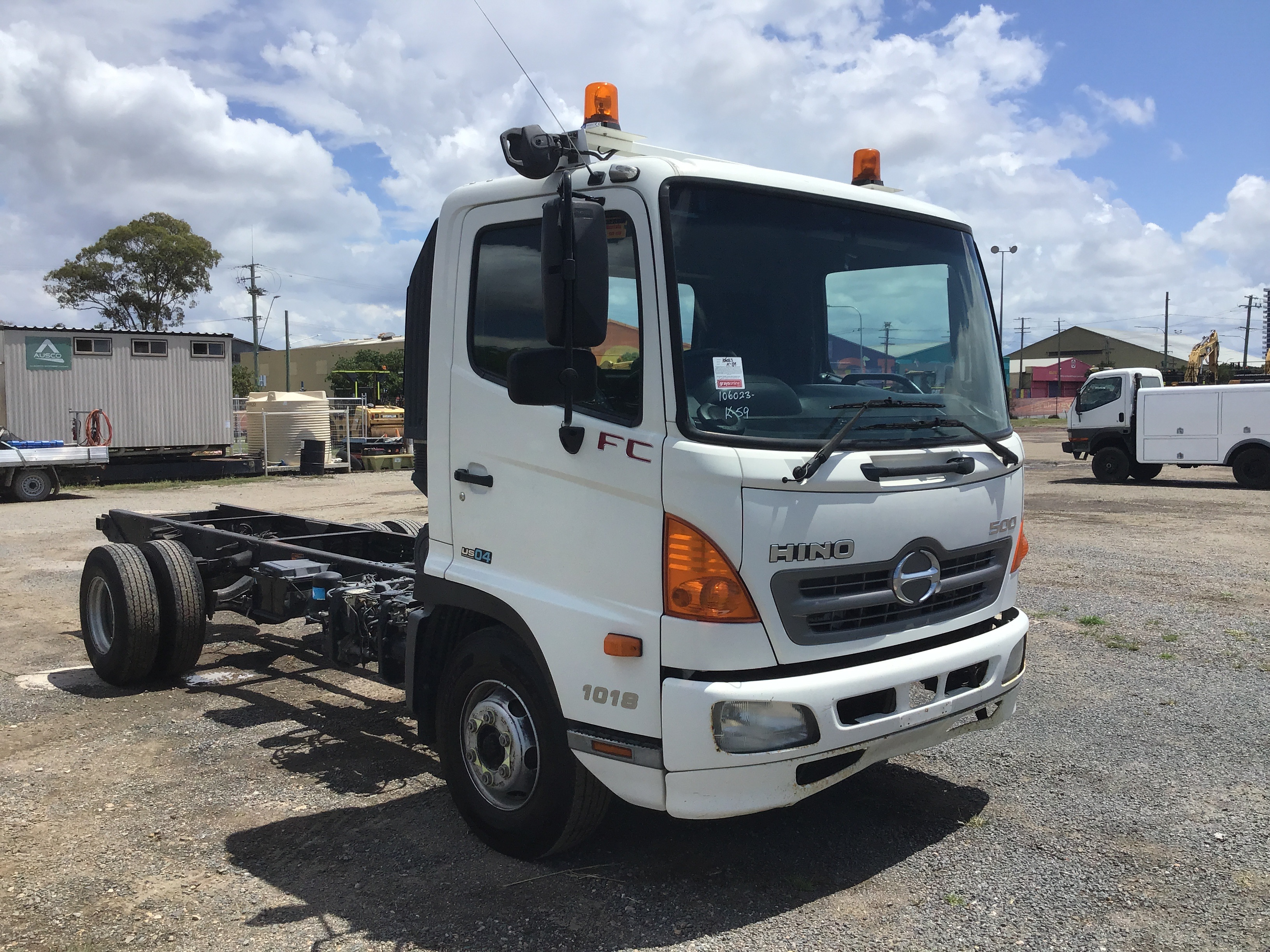 2009 Hino FC 4 x 2 Cab Chassis Truck