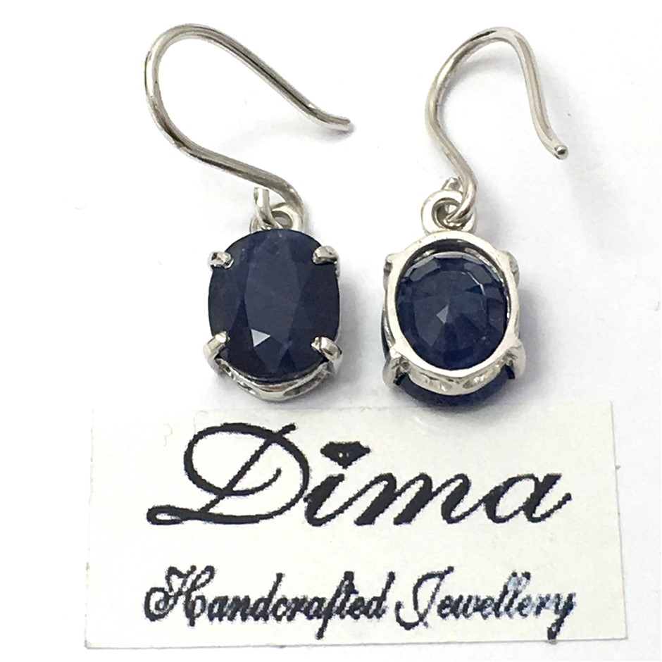 18ct White Gold, 3.50ct Blue Sapphire Earring