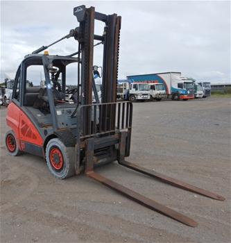 2011 Linde H45T 4 Wheel Counterbalance Forklift