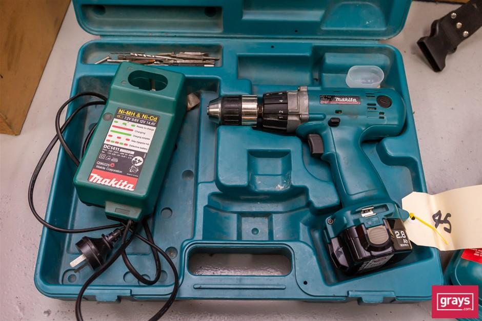 Qty 2 x Makita Cordless Power Tools